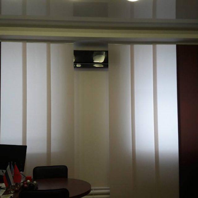 Японские шторы в кабинете